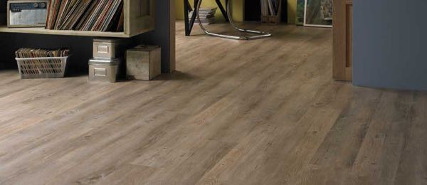Flooring showroom Karndean Country Oak3